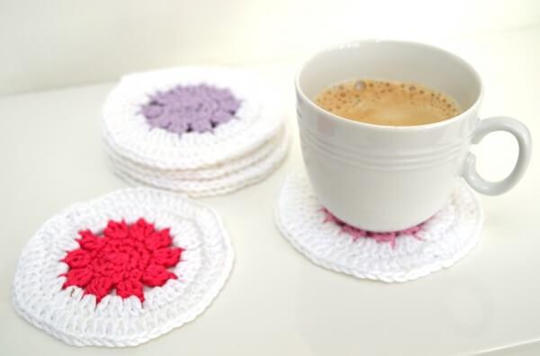 free pattern: fun crochet coasters