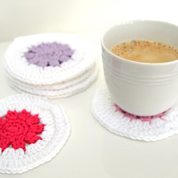 free pattern: fun crochet coasters