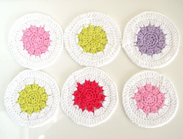 fun crochet coasters by La Visch Designs