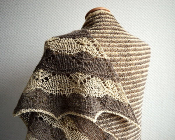 Bichrome - a shawl design by La Visch Designs