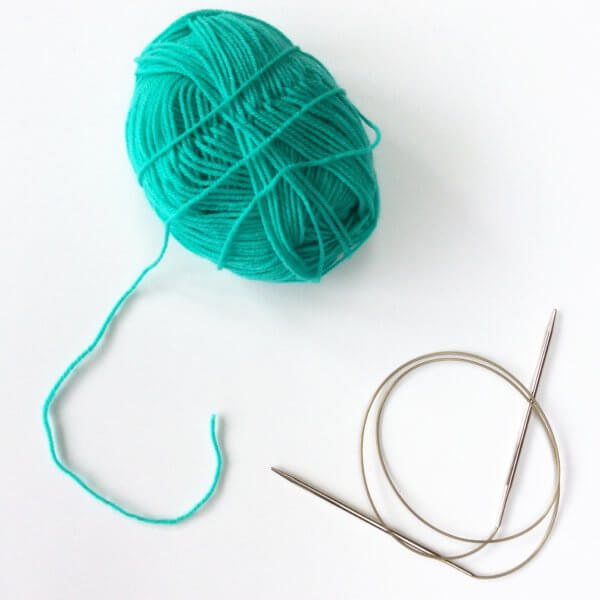 Knitting the knitted on cast-on - a tutorial by La Visch Designs