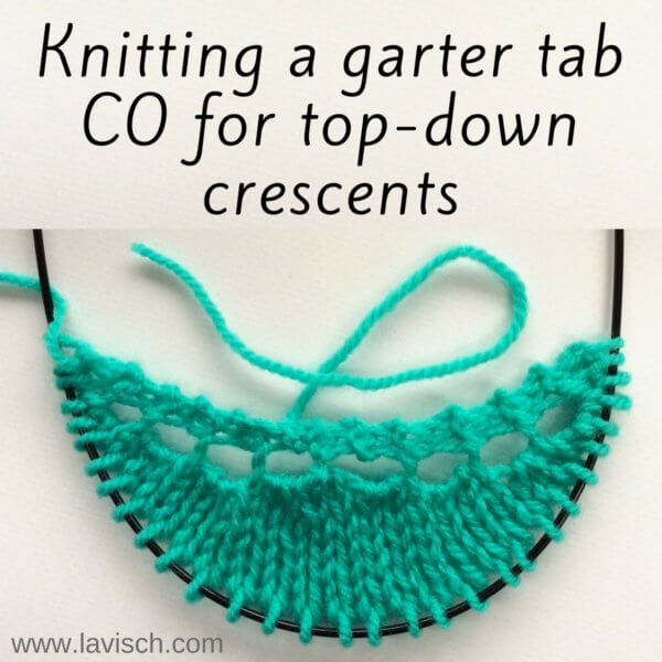 Garter tab CO for top-down crescents - a tutorial by La Visch Designs