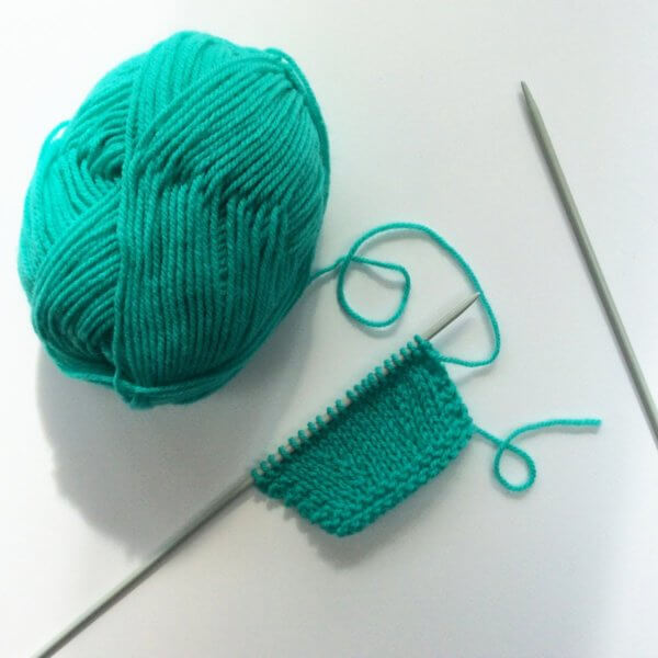 Knitting the skp decrease - a tutorial by La Visch Designs