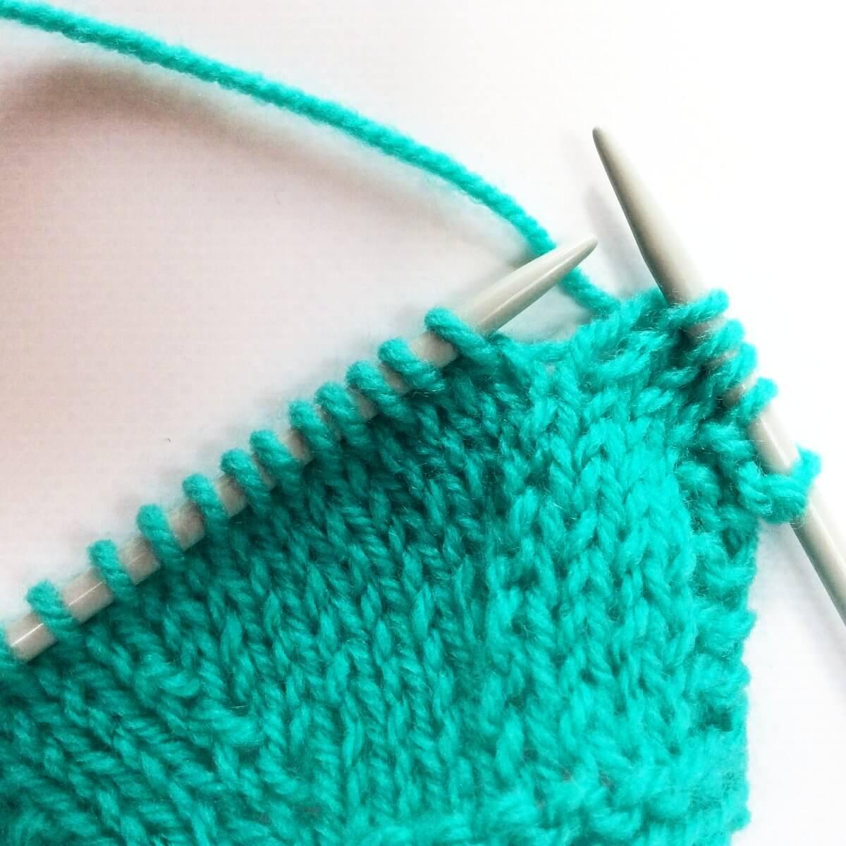 Knitting Decreases Slant Left : Tutorial knitting the skp decrease la visch designs