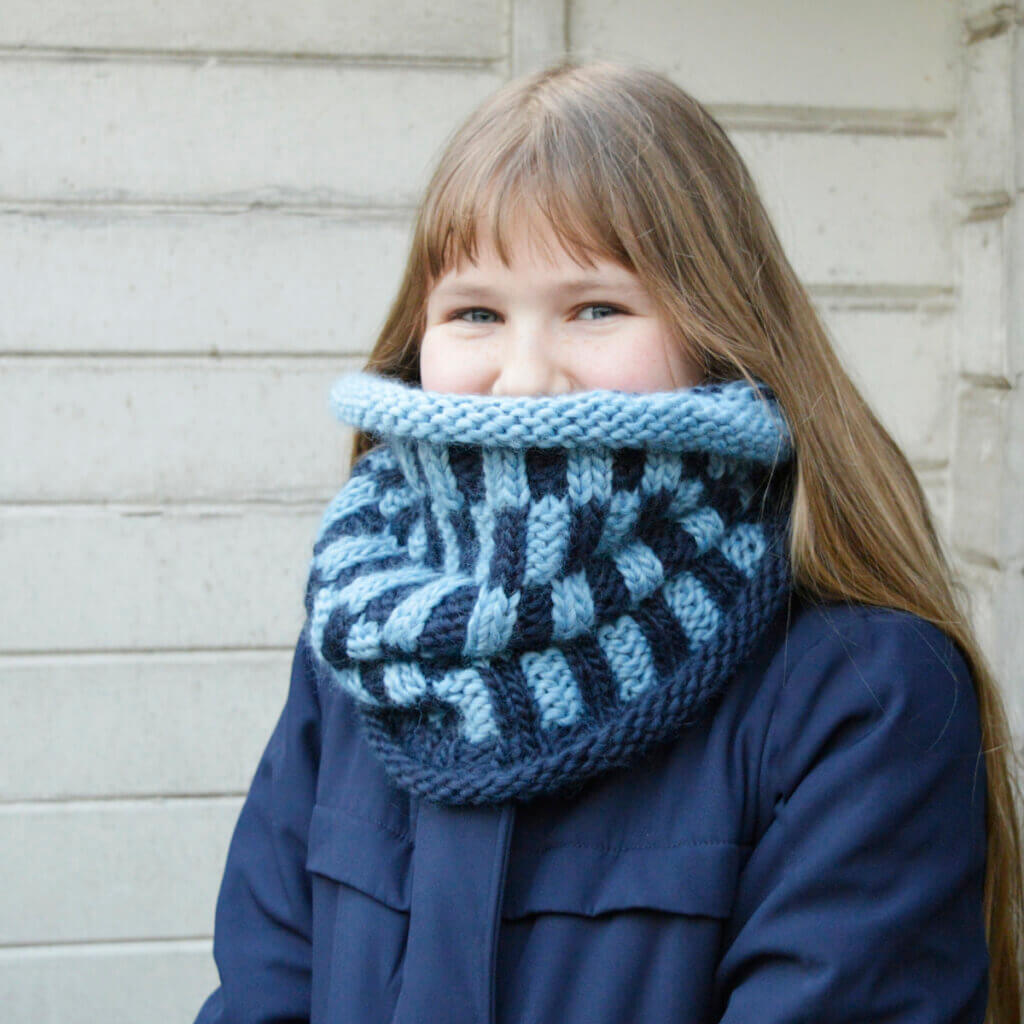 Delft Blue Cowl by La Visch Designs