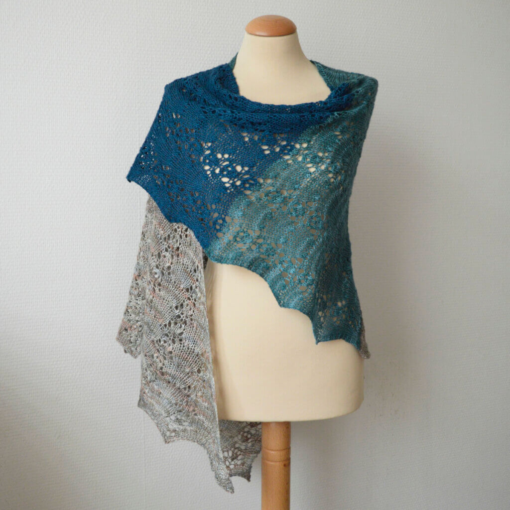 Octaaf - a shawl design by La Visch Designs