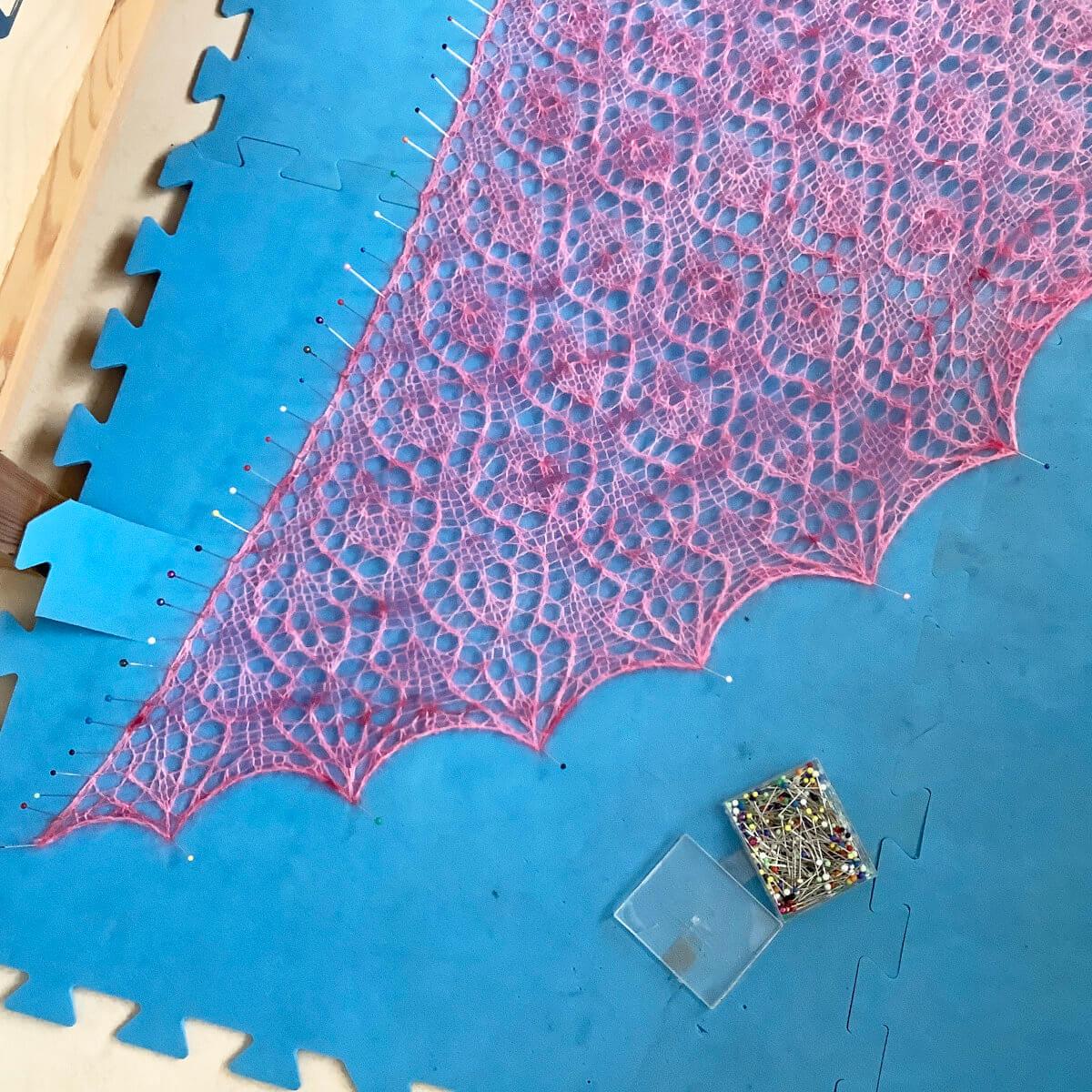 Blocking a triangle shawl - step 8