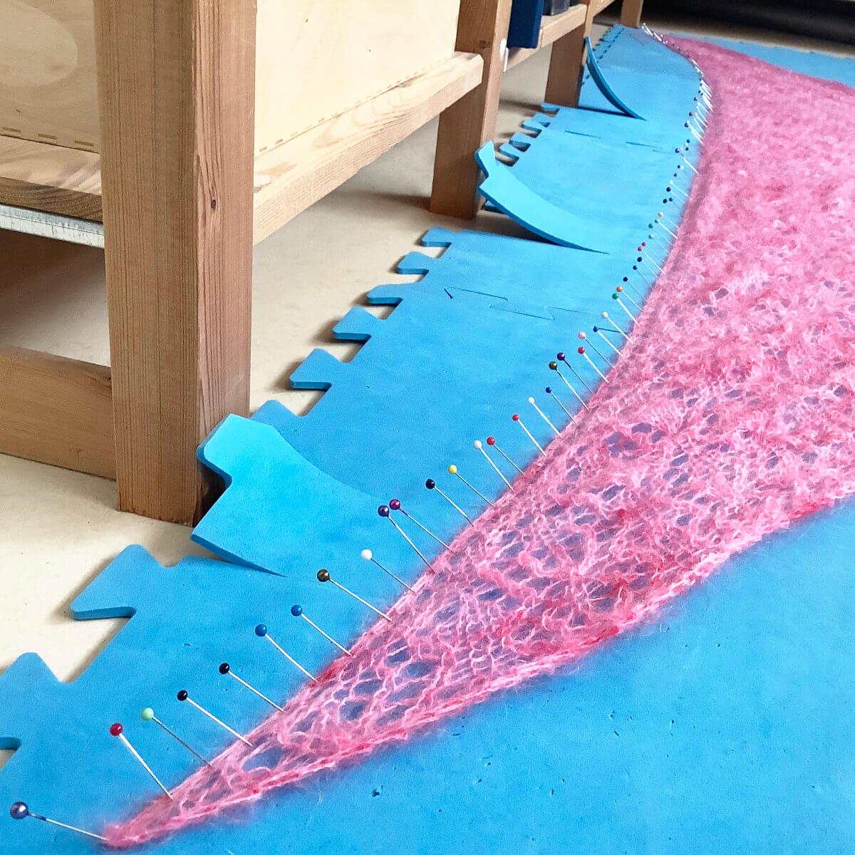 Blocking a triangle shawl - step 3