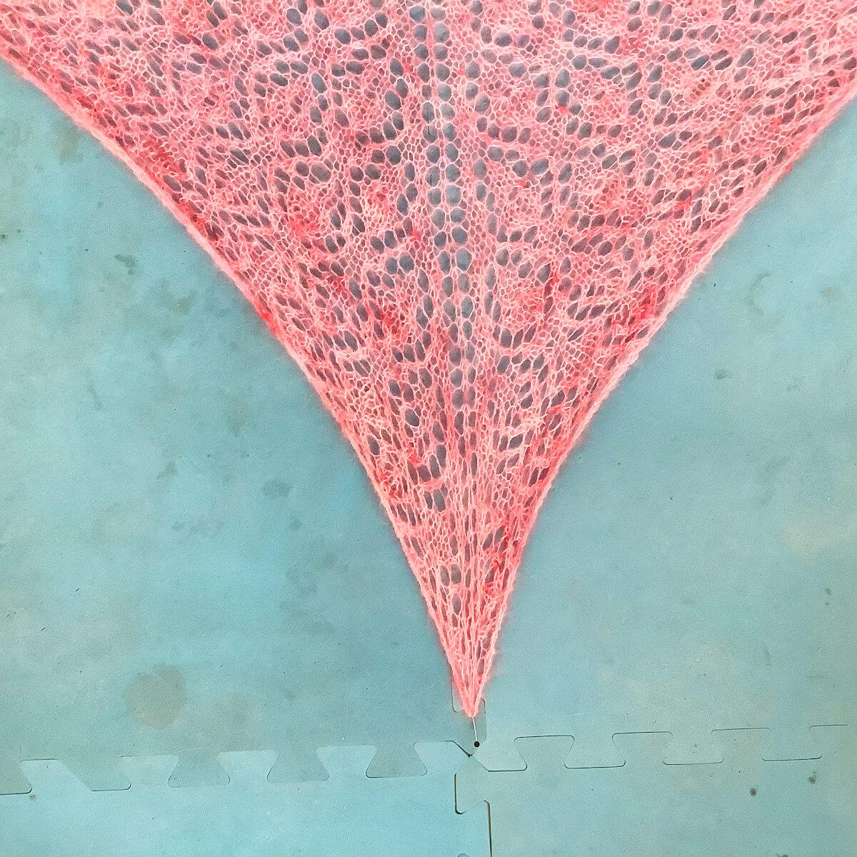 Blocking a triangle shawl - step 4