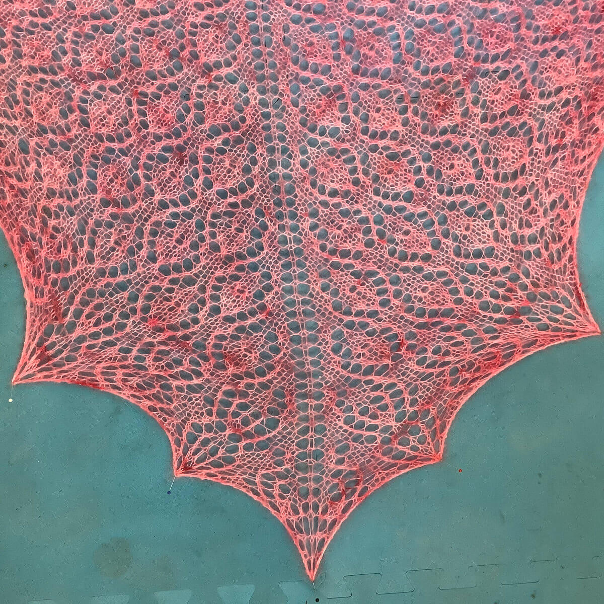 Blocking a triangle shawl - step 6