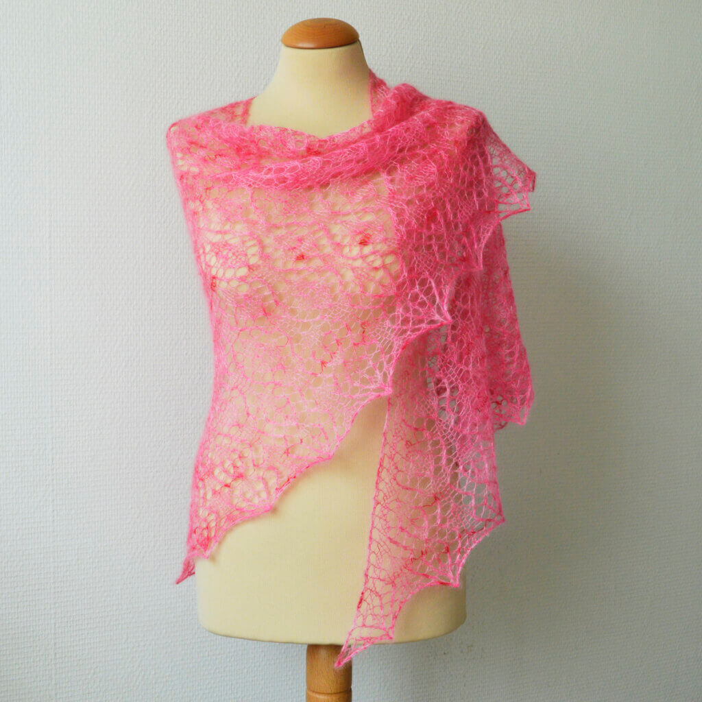 Strawberry Finch shawl