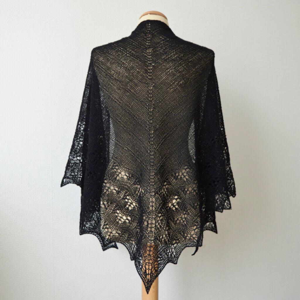 Mamaku shawl by la Visch Designs